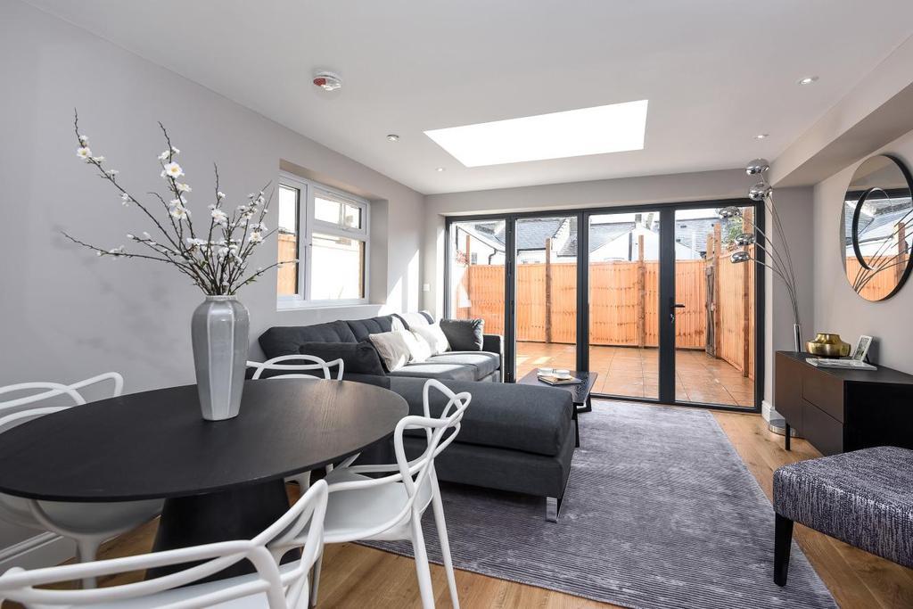 1 Bedroom Flat for sale in Roehampton High Street, Roehampton, SW15