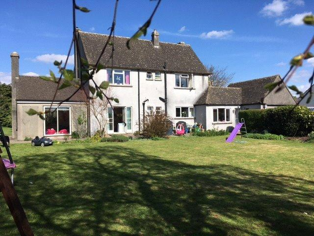 3 Bedrooms Detached House for sale in Stroud Road, Bisley, Stroud, Gloucestershire, GL6