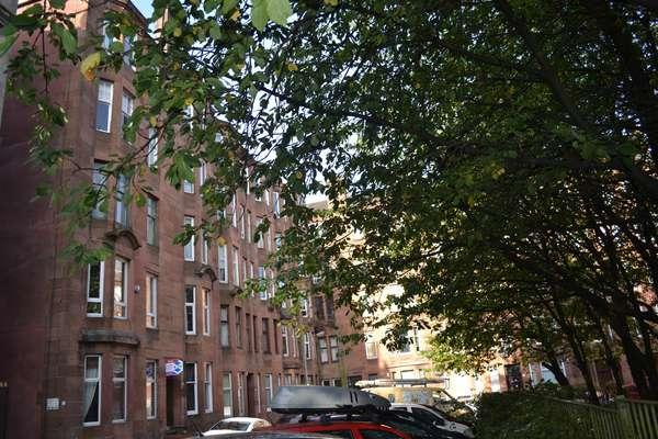 1 Bedroom Flat for sale in 1/2, 76 Springhill Gardens, Shawlands, Glasgow, G41 2EZ