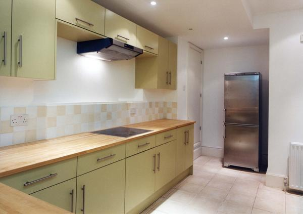 3 Bedrooms Ground Flat for sale in Craven Hill, London. W2