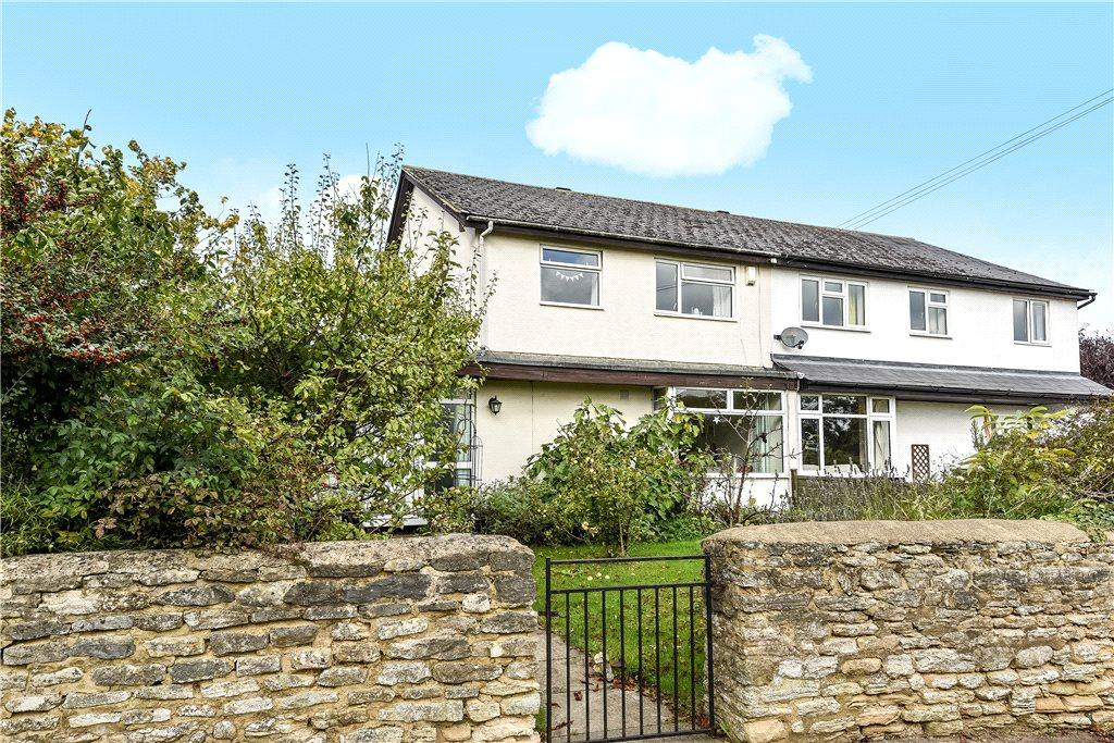 3 Bedrooms Semi Detached House for sale in Church Street, Maids Moreton, Buckinghamshire