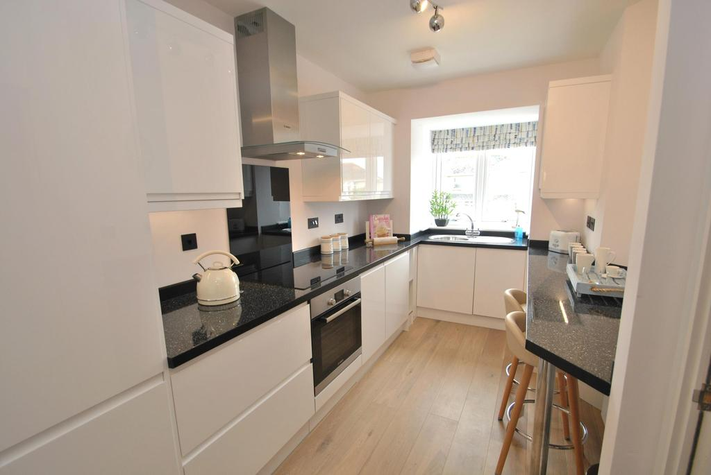 3 Bedrooms Terraced House for sale in Ocean Heights, Edgcumbe Gardens
