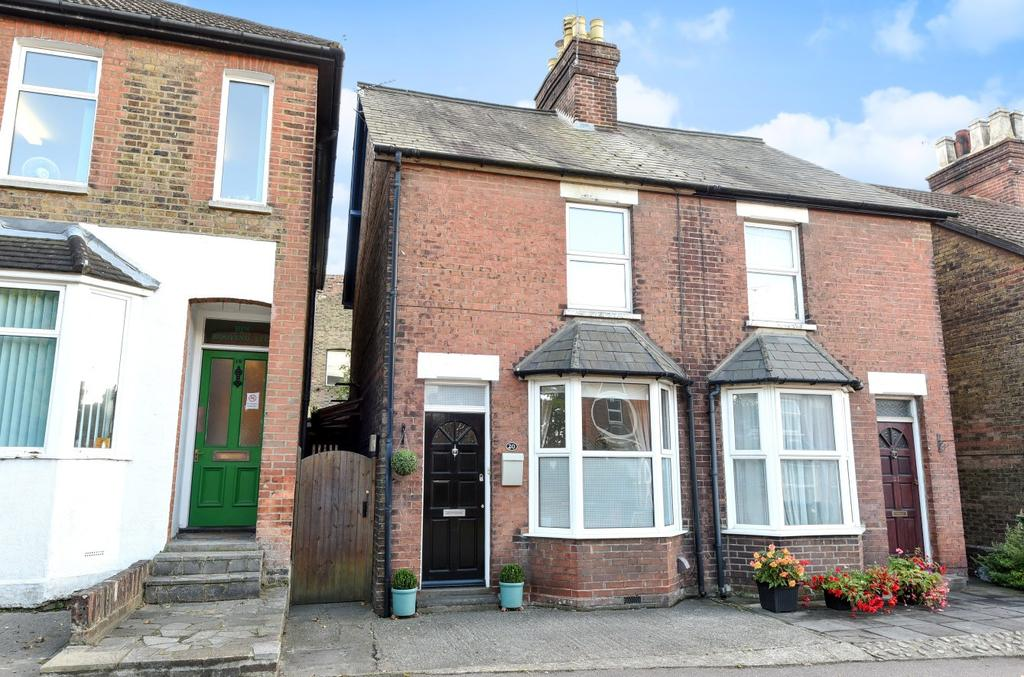 2 Bedrooms Semi Detached House for sale in Gladstone Road, Horsham, RH12