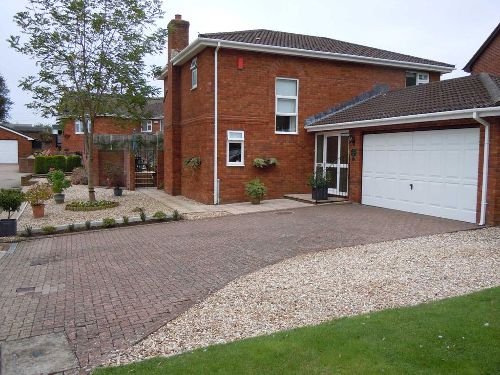 3 Bedrooms Detached House for sale in Thomas Bassett Drive, Colyford, Colyton