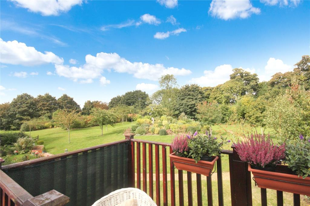 2 Bedrooms Retirement Property for sale in Home Farm, Iwerne Minster, Blandford Forum, Dorset
