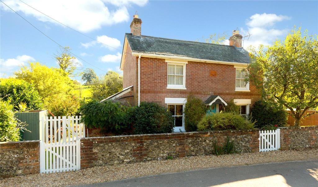2 Bedrooms Detached House for sale in Lower Daggons, Fordingbridge, Hampshire
