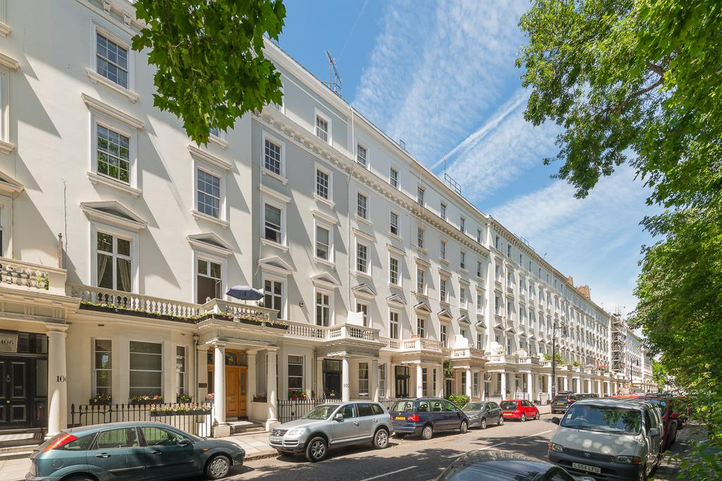 2 Bedrooms Block Of Apartments Flat for sale in St. Georges Square, London. SW1V