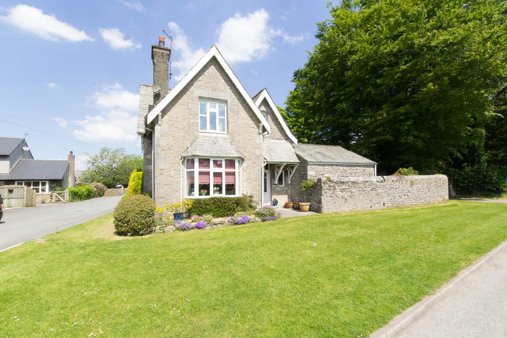 3 Bedrooms Detached House for sale in The Old School House, Natland