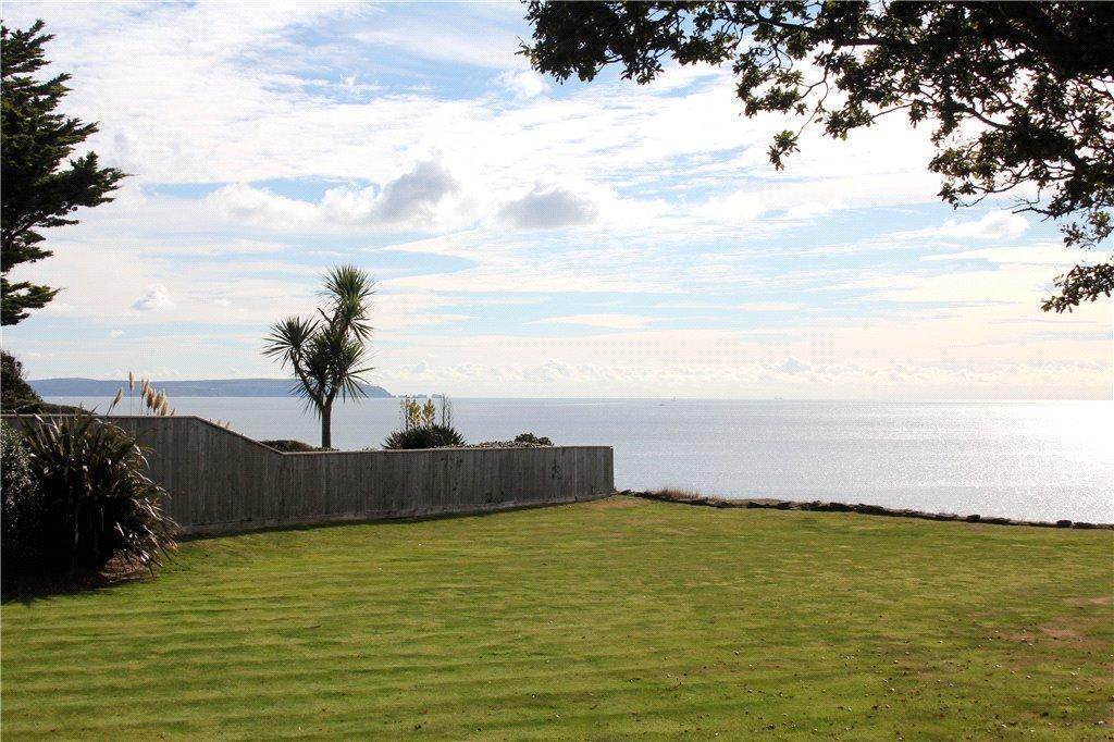 2 Bedrooms Flat for sale in Rothesay Point, 15 Wharncliffe Road, Highcliffe-On-Sea, Dorset, BH23