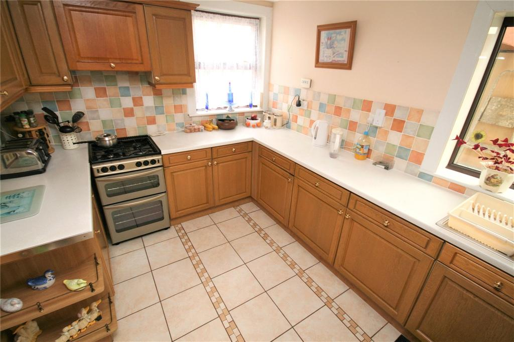 5 Bedrooms Semi Detached House for sale in Main Road, Broughton, Chester, Flintshire, CH4