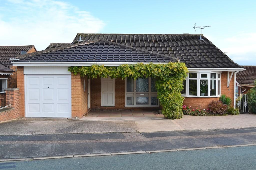 5 Bedrooms Detached House for sale in Waverley Gardens, Rugeley