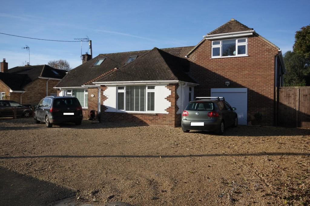 4 Bedrooms Detached House for sale in FIRS CLOSE, FIRSDOWN, WILTSHIRE