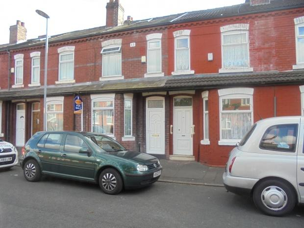 3 Bedrooms Terraced House for sale in Linwood Grove, Manchester, M12