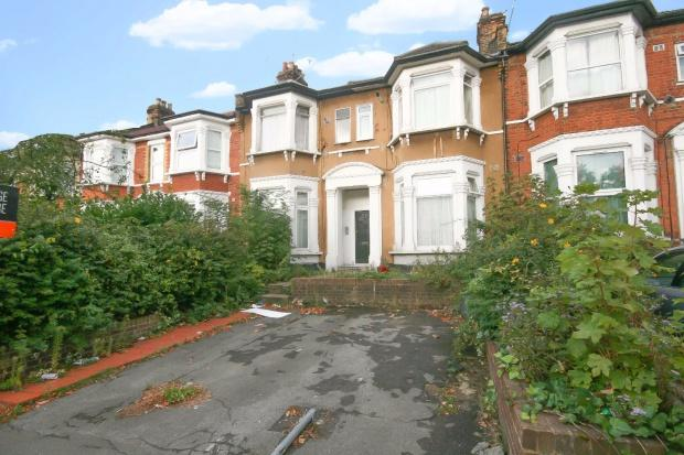 1 Bedroom Flat for sale in Argyle Road, Ilford, IG1