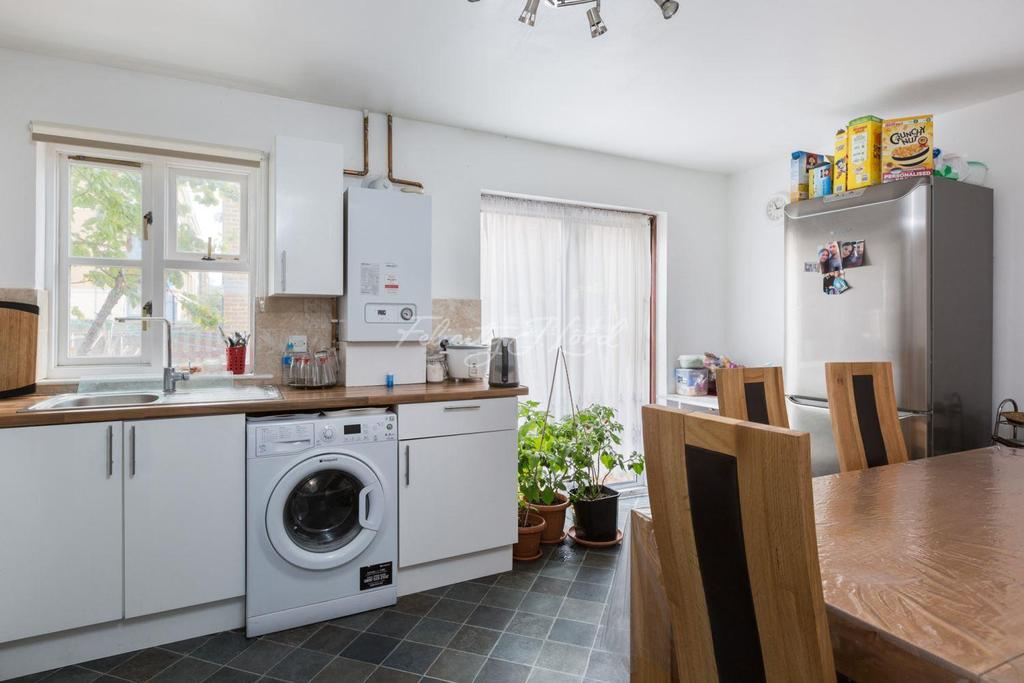 4 Bedrooms End Of Terrace House for sale in Charnwood Gardens, Canary Wharf, E14
