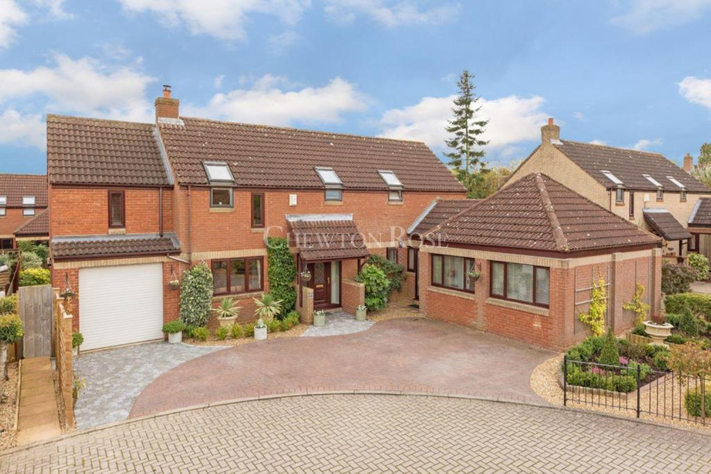 4 Bedrooms Detached House for sale in Willen Park
