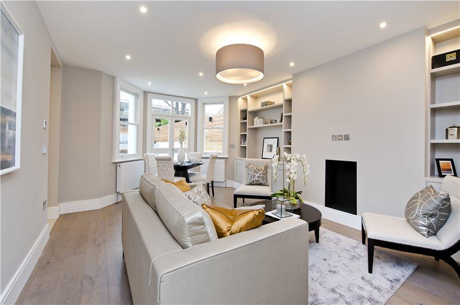 3 Bedrooms Flat for sale in Cambridge Gardens, North Kensington W10