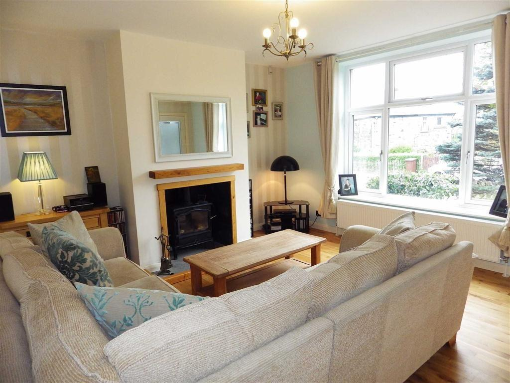 3 Bedrooms Semi Detached House for sale in Grange Road, Rawtenstall, Rossendale, Lancashire, BB4