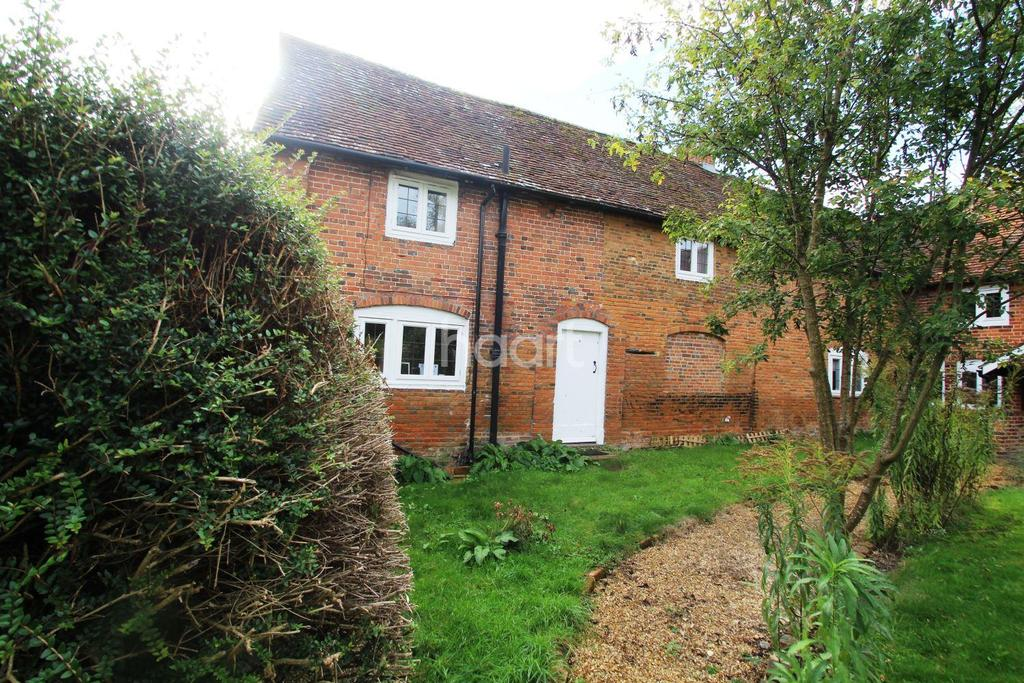 2 Bedrooms Cottage House for sale in London Road, Hartley Wintney, Hook RG27 8HR