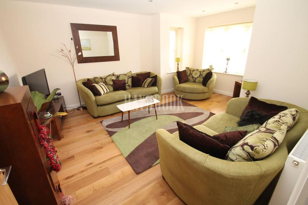 5 Bedrooms Detached House for sale in Doncaster Road, Braithwell