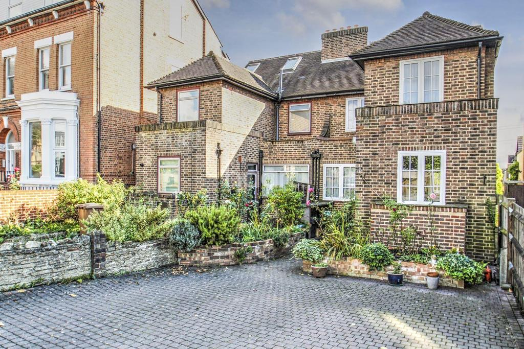 4 Bedrooms Semi Detached House for sale in Worple Road, SW19