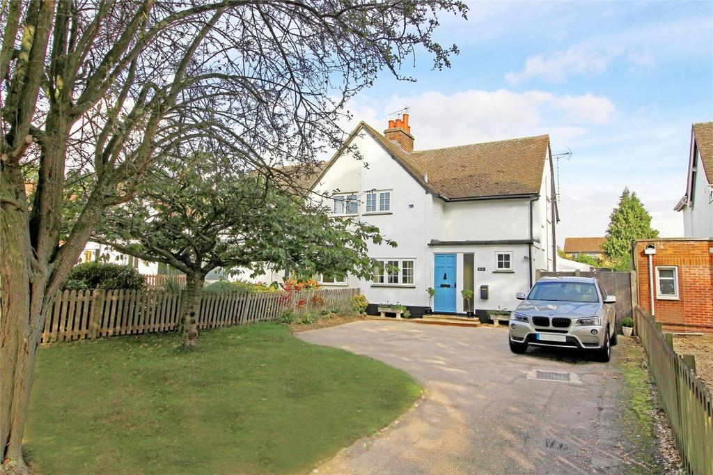 3 Bedrooms Semi Detached House for sale in Green Lane, Letchworth Garden City, Hertfordshire