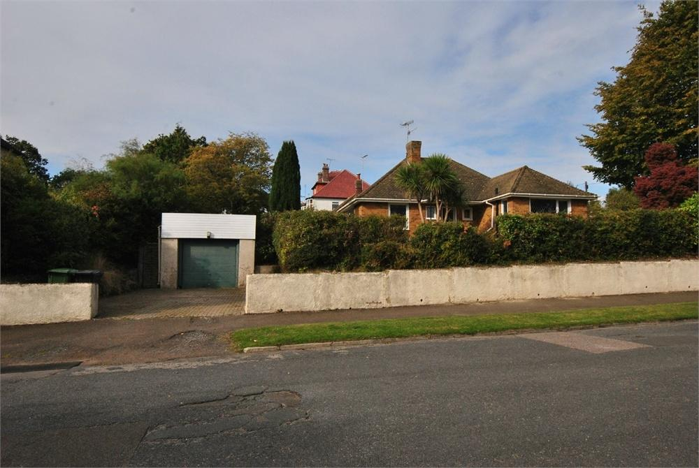 2 Bedrooms Detached Bungalow for sale in Warwick Road, BEXHILL-ON-SEA, East Sussex