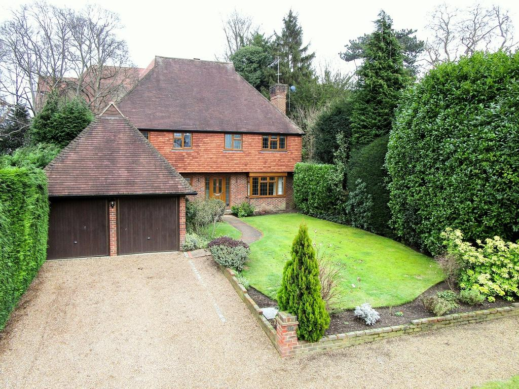 5 Bedrooms House for sale in Clive Road, Esher