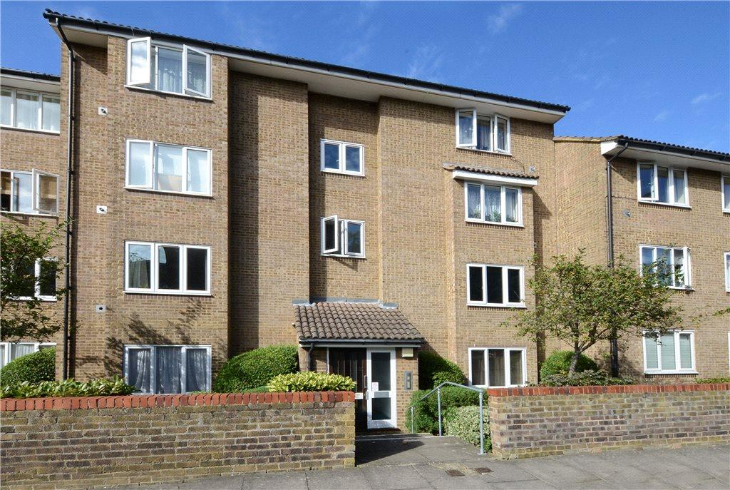 1 Bedroom Flat for sale in Swift Court, Westmoreland Drive, Sutton, SM2