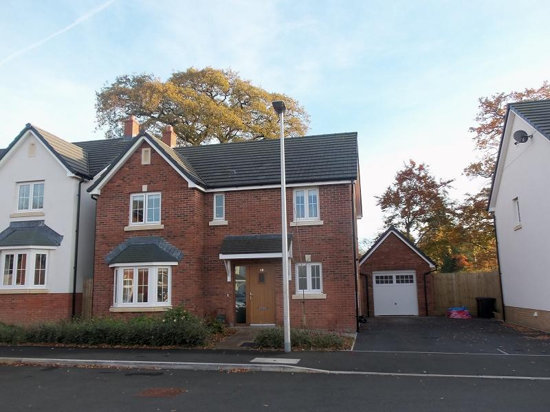 4 Bedrooms Detached House for sale in Maes Lewis Morris Llangunnor, Carmarthen, Carmarthenshire.