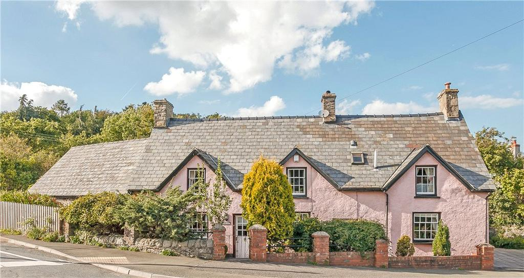 3 Bedrooms Detached House for sale in Llangattock, Crickhowell, Powys, NP8