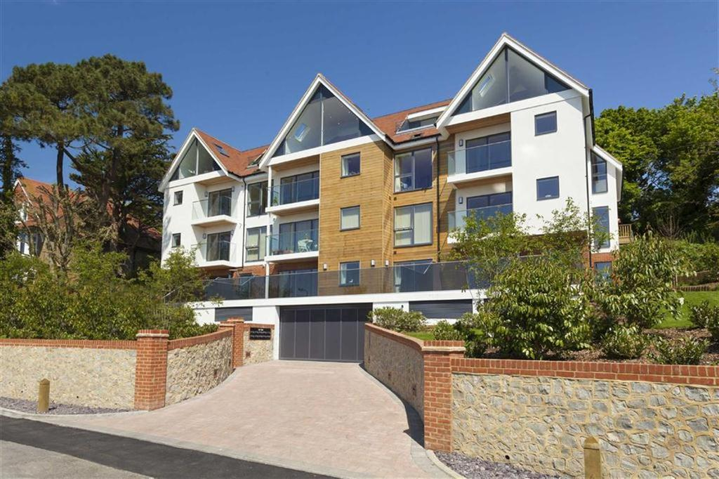 3 Bedrooms Apartment Flat for sale in North Road, Hythe, Kent, CT21