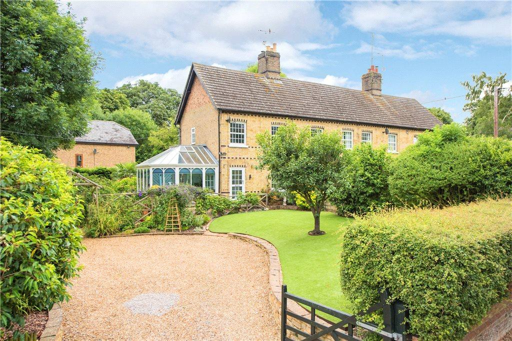 3 Bedrooms Unique Property for sale in Chapel Row, Upper Dean, Huntingdon, Bedfordshire