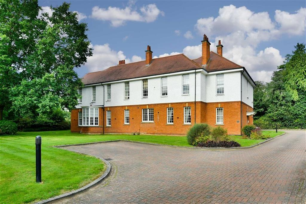 2 Bedrooms Flat for sale in Crossness House, Epsom, Surrey