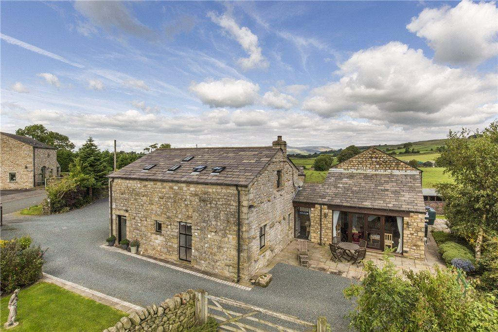 5 Bedrooms Barn Conversion Character Property for sale in Tipperthwaite Barn, Giggleswick, Settle, North Yorkshire