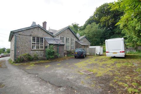 6 bedroom detached house for sale - Halkyn