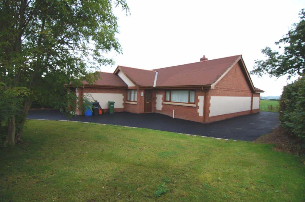 2 Bedrooms Detached Bungalow for sale in Ruthin Road, Denbigh