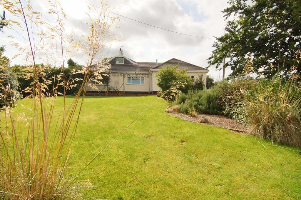 4 Bedrooms Detached Bungalow for sale in Groesffordd Marli