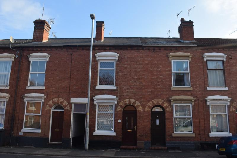 2 Bedrooms Terraced House for sale in Wood Street, Kidderminster, Worcestershire. DY11 6UF