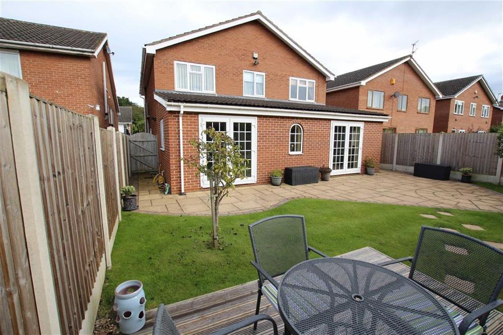 4 Bedrooms Detached House for sale in Lime Crescent, WAKEFIELD, WF2