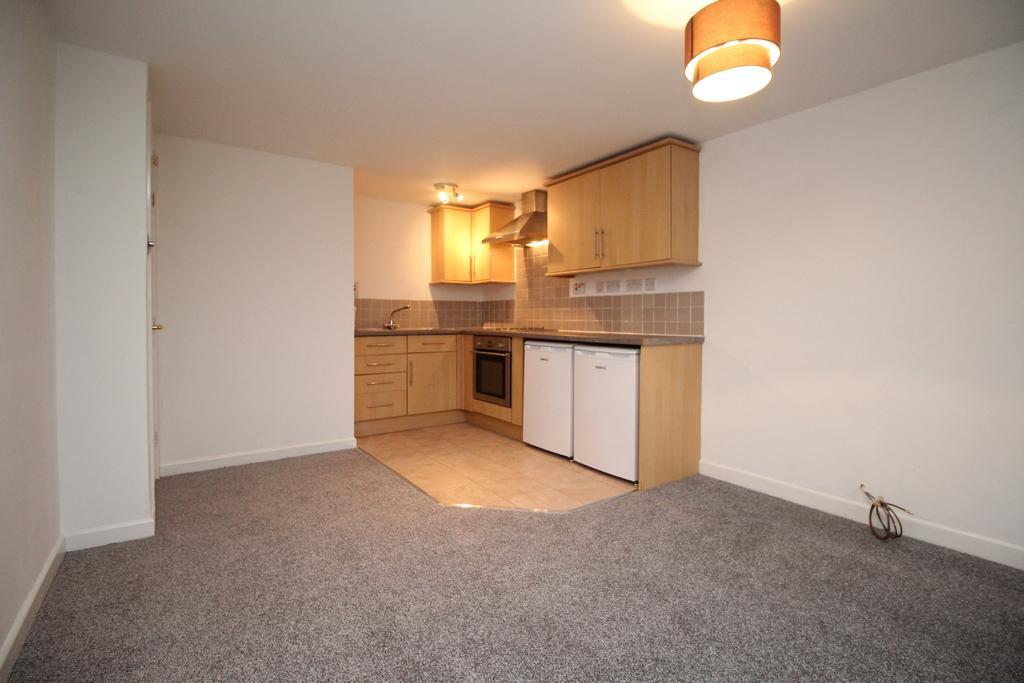 2 Bedrooms Flat for sale in Providence Hill, Bursledon, Southampton