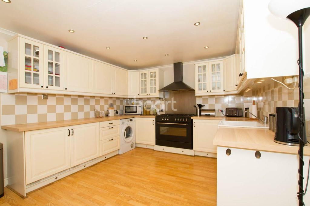 4 Bedrooms Semi Detached House for sale in Elmsdale Road, Wootton, MK43