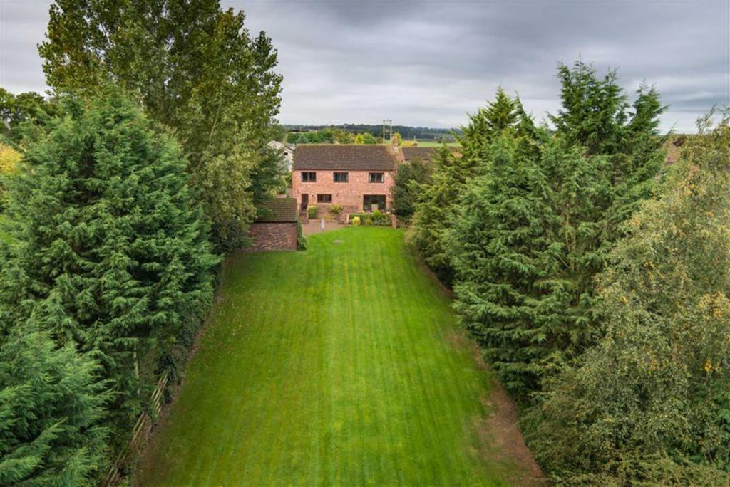 4 Bedrooms Detached House for sale in Church Meadows, Richmond, North Yorkshire