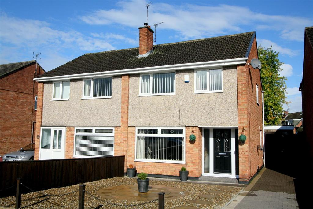 3 Bedrooms Semi Detached House for sale in Albatross Way, Darlington