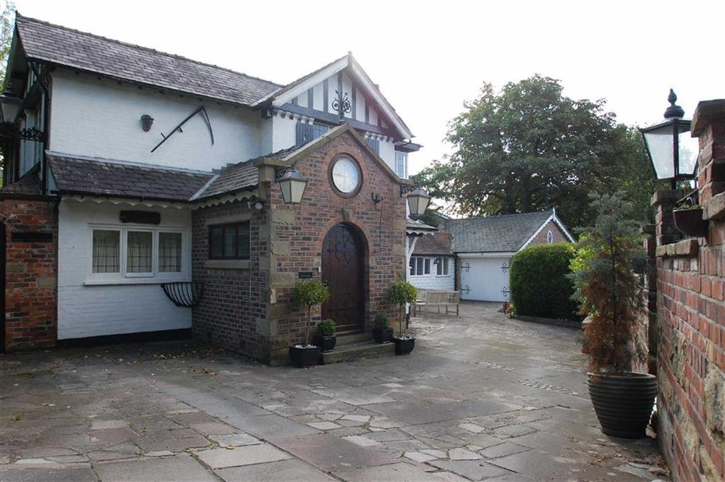 4 Bedrooms Detached House for sale in Tenement Lane, Bramhall, Cheshire