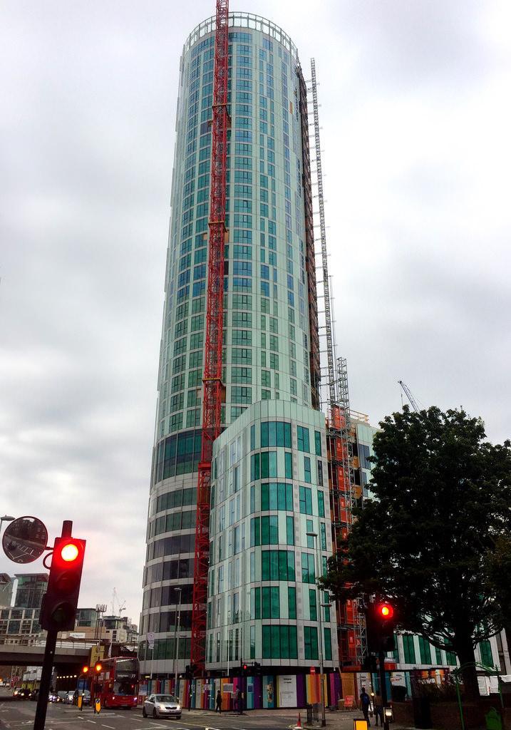 4 Bedrooms Residential Development Commercial for sale in Sky Gardens, Nine Elms, London SW8