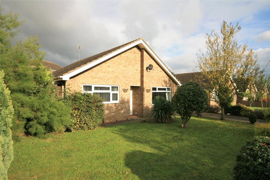 3 Bedrooms Detached Bungalow for sale in Turner Close, Navenby, LN5