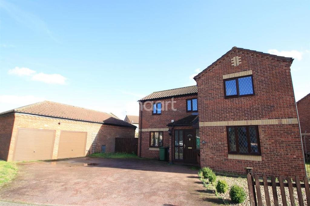 4 Bedrooms Detached House for sale in Mallow Road, Thetford
