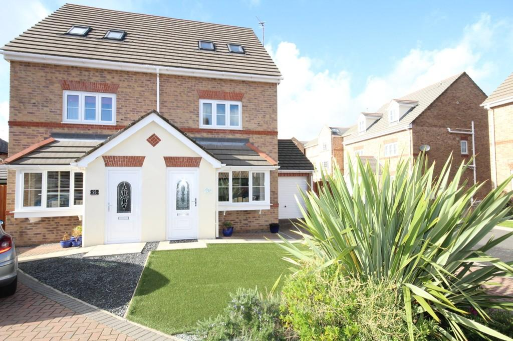 3 Bedrooms Town House for sale in 25 Farnham Close