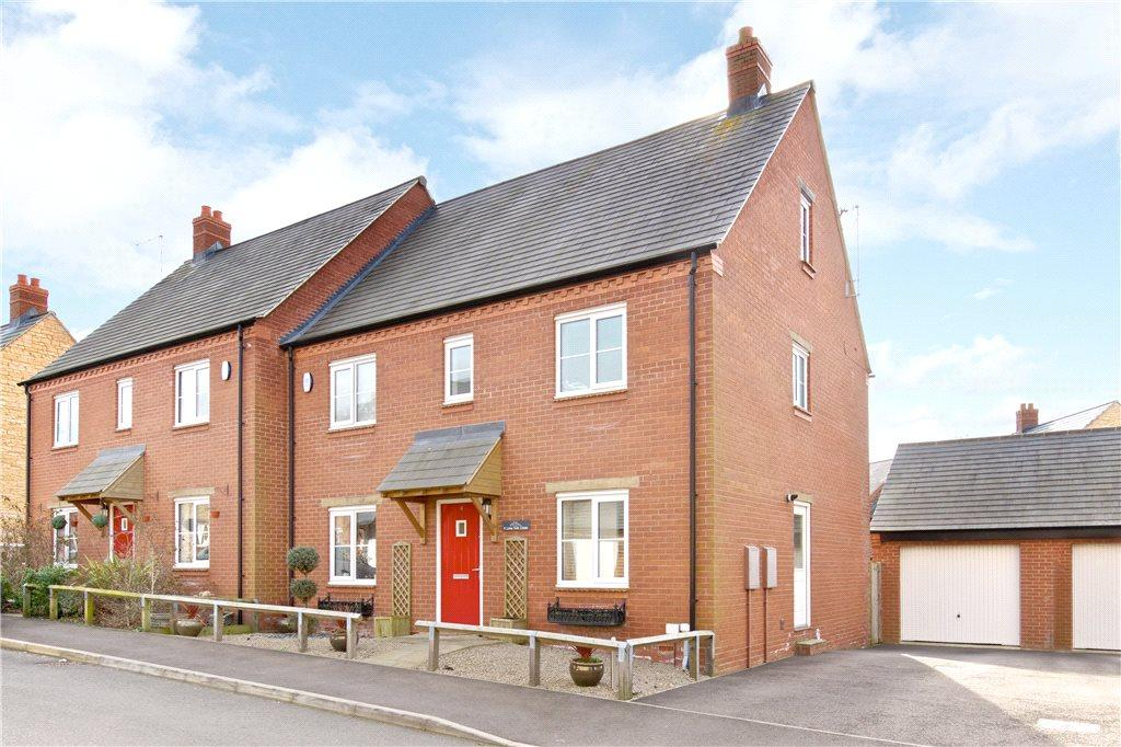 5 Bedrooms House for sale in Lime Kiln Close, Silverstone